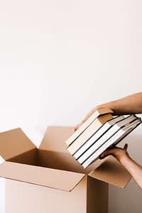 Buy shipping boxes in Canada